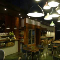 Valkyria Hub Space: Locales gastronómicos de estilo  de ESTUDIO DE CREACIÓN JOSEP CANO, S.L.
