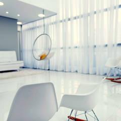 Estúdio Fotográfico e Escritório: Salas de estar escandinavas por Moussi Arquitetura