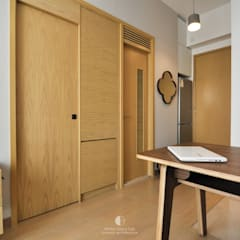Woody:  Wooden doors by Mister Glory Ltd, Minimalist