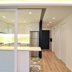 Memento:  Kitchen units by Mister Glory Ltd, Minimalist