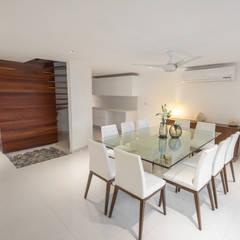Puro y fresco, Residencia Pok Ta Pok Cancún.: Comedores de estilo topical por Art.chitecture, Taller de Arquitectura e Interiorismo 📍 Cancún, México.