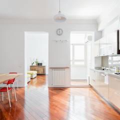 Casa G&A: Cucina in stile in stile Moderno di Angelo Talia