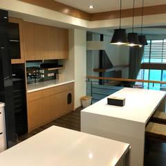 廚具及中島設計案:  酒窖 by 捷士空間設計(省錢裝潢)
