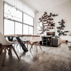 Loft Contemporáneo: Comedores de estilo  de Noëlla Aoun Design Studio