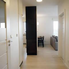 Mieszkanie Katowice: styl , w kategorii Korytarz, przedpokój zaprojektowany przez Projektowanie Wnętrz Agnieszka Noworzyń