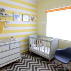 Dormitorios de bebé de estilo  por loop-d,