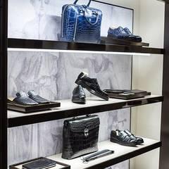 Luxury store Mosca - dettaglio: Negozi & Locali commerciali in stile  di Sara Bellini Architetto