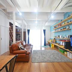 Dormitorios infantiles de estilo  por 大塚高史建築設計事務所