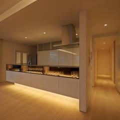 Cocinas equipadas de estilo  por アトリエモノゴト 一級建築士事務所