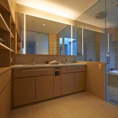 FSMR: アトリエモノゴト 一級建築士事務所が手掛けた浴室です。