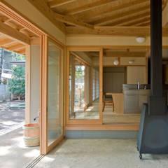 暮らしを楽しむ家 クラシカルスタイルの 玄関&廊下&階段 の 小町建築設計事務所 クラシック