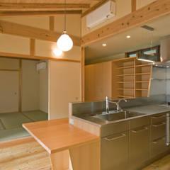 暮らしを楽しむ家: 小町建築設計事務所が手掛けたダイニングです。