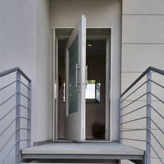 PM serramenti が手掛けた木製ドア