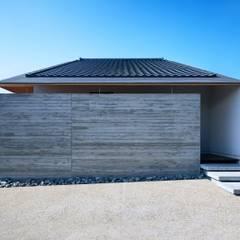Casas de madera de estilo  por 一級建築士事務所 株式会社KADeL