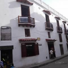 PROYECTO CALLE DEL CANDILEJO CON CALLE COCHERA DEL GOBERNADOR: Casas unifamiliares de estilo  por LAGART SAS