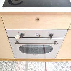 Dettaglio forno: Cucina attrezzata in stile  di BGP studio