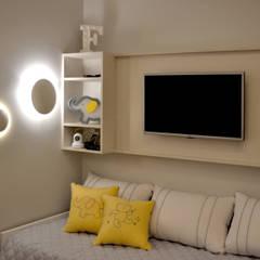Dormitorios de bebé de estilo  por homify,