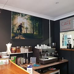 Printed Fabric Frame:  Offices & stores by Custom Art Framing (Pty) ltd
