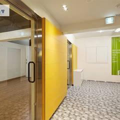 인천아이소망 산부인과 산후 조리원 리모델링(Remodelling Incheon Isomang OB GY Postpartum Care Center): 위아카이(wearekai)의  병원