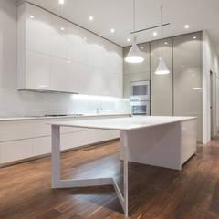Built-in kitchens by GD Arredamenti, Minimalist Glass