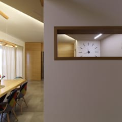 ISPIRAZIONI SCANDINAVE: Ingresso & Corridoio in stile  di ARCHITÈ
