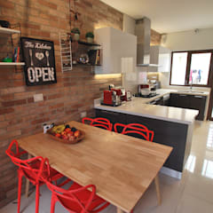 Dapur built in by Selica