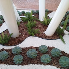 Jardines de estilo  por Luzia Benites - Arquiteta Paisagista