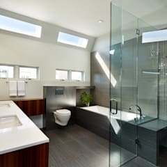 Corcoran House: modern Bathroom by KUBE Architecture