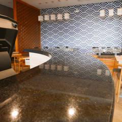 Black Galaxy Granite Bar Counter at Ichiban Shabu-Shabu SM Seaside:  Kitchen by Stone Depot,