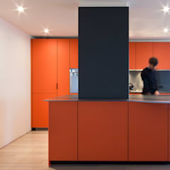 Pied-A-Terre | Kitchen: Cucina attrezzata in stile  di GD Arredamenti