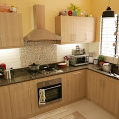 Marigold Granite Kitchen Countertop in Talamban, Cebu City:  Kitchen by Stone Depot,