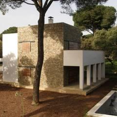Proyecto 3 Viviendas Unifamiliares Sevilla: Suelos de estilo  de Tarazona Arquitectos