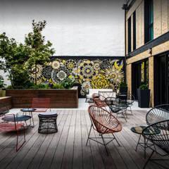 Jardinière design Image'In en Fibre ciment: Hôtels de style  par ATELIER SO GREEN