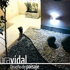 Jardines zen de estilo  por Laura Vidal Estudio de Paisajismo - Interiorismo