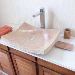 Prostokątna umywalka z kamienia na blat: styl , w kategorii Łazienka zaprojektowany przez Lux4home™