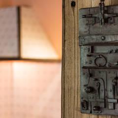 Houten deuren door Andrea Chiesa è Progetto Immagine