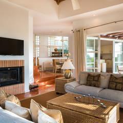 Sala de estar: Salas de estar  por Zenaida Lima Fotografia