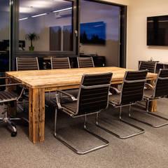 Geschäftsausstattung PURUS PLASTICS GmbH:  Messe Design von edictum - UNIKAT MOBILIAR