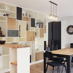 Anthracite: Salon de style de style Scandinave par Marion Lucas