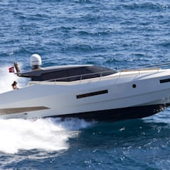 Yates y jets de estilo moderno por Gloss Design