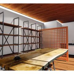 VAGOON HOUSE – VAGOON OFFICE: minimal tarz tarz Çalışma Odası