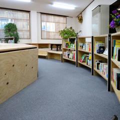 24角形本棚: INTERIOR BOOKWORM CAFEが手掛けた会議・展示施設です。