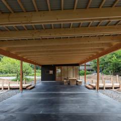 はなれ Hanare (Guest House): arbolが手掛けた廊下 & 玄関です。
