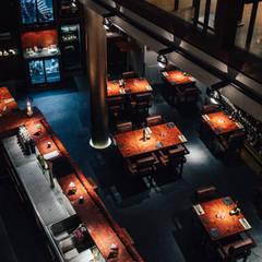 Das Weinrestaurant von oben:  Gastronomie von Lumoplan Lichtplanung Berlin