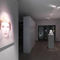 Galerie:  Flur & Diele von Lumoplan Lichtplanung Berlin