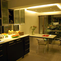 Cocina Dra Behm, Vitacura: Cocinas de estilo  por Selica