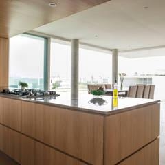 OPEN KITCHEN: Cocinas equipadas de estilo  por Chetecortés