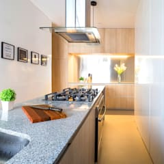 COUPLE  KITCHEN: Cocinas equipadas de estilo  por Chetecortés