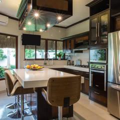 مطبخ ذو قطع مدمجة تنفيذ Heftye Arquitectura