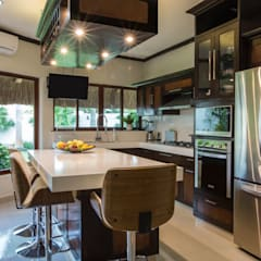 Built-in kitchens by Heftye Arquitectura